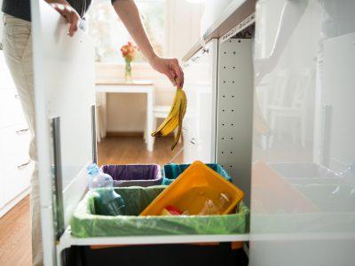 Ile pojemników na śmieci przypada na jeden dom