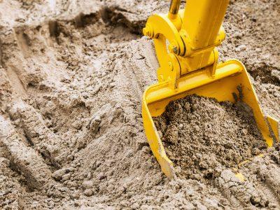 Co zrobić z ziemią z wykopu - sposoby utylizacji