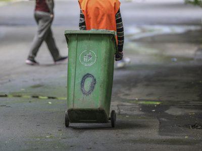 Kto odpowiada za wywóz śmieci w gminie, na terenie prywatnej posesji i z dzikiego wysypiska